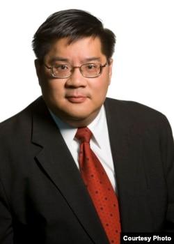"""""""传统基金会""""高级研究员成斌(Dean Cheng) (图片来自:Heritage Foundation )"""