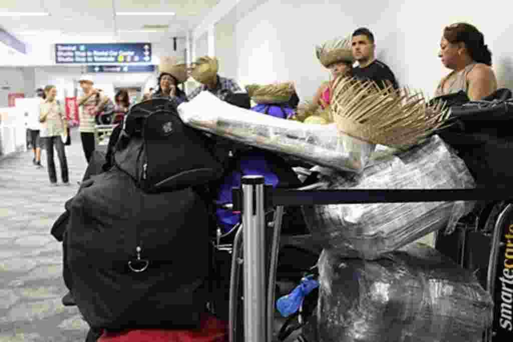 Más de 100 pasajeros abordaron el primer vuelo, desde 1987, de Fort Lauderdale a Cuba.