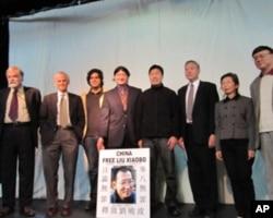 刘晓波得奖多媒体庆祝会(美国之音容易拍摄)