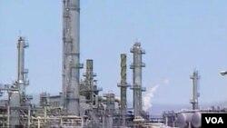 Perluasan produksi gas alam di Amerika merupakan perkembangan terbesar dalam mengupayakan alternatif minyak dalam beberapa tahun terakhir.