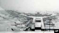 Aeropuerto O'Hare International en Chicago, donde 2.200 vuelos fueron cancelados debido a una fuerte nevada.