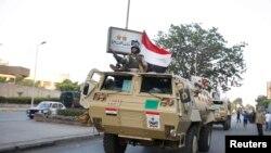 2013年7月3日埃及军车开往开罗总统府