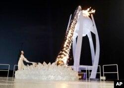روشن کردن مشعل المپیک