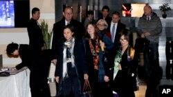 美国贸易代表团成员2019年1月7日离开北京的一家酒店