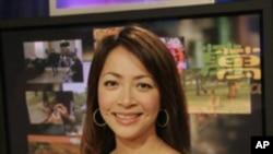 中文部电视节目主持人张佩芝