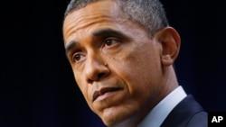 오바마 대통령이 지난해 말 재정절벽과 관련해 연설하고 있다.