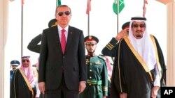 ترک صدر یہ بھی کہہ چکے ہیں کہ ان کے خیال میں سعودی فرمانروا شاہ سلمان کا اس قتل سے کوئی تعلق نہیں