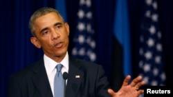 奥巴马9月3日在爱沙尼亚对记者发表讲话