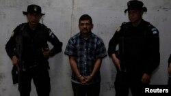 Mauro Salomon fue capturado en octubre de 2010 y según las autoridades su caso fue el más complicado, debido a una serie de acciones legales que los abogados presentaron para frenar su extradición.