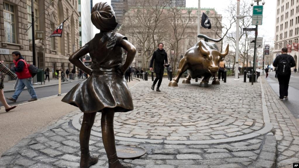 Image result for bull ve fearless girl