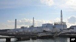 ໂຮງໄຟຟ້າ Fukushima ທີ່ຍັງເປັນໄພເຂົ່າຄູ່ຈາກກໍາມັນຕະພາບລັງສີ
