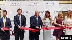 Familja Trump në përurimin e hotelit në Uashington