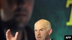 Châu Âu-Quỹ tiền tệ chấp thuận 146 tỉ đô la cứu nguy cho Hy Lạp