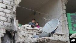 Bộ trưởng Ngoại giao Nga Sergey Lavrov ngày 30/9 tuyên bố Moscow sẵn sàng cứu xét thêm các phương cách để bình thường hóa tình hình tại Aleppo.