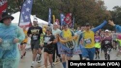 Українські солдати на марафоні морської піхоти у Вашингтоні. 27 жовтня 2019 року