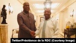 Président Félix Tshisekedi ya Congo démocratique na mokokani wa ye ya Gabon, Ali Bongo Ondimba, bapesani mbote na Libreville, 11 juin 2019. (Twitter/Présidence RDC)