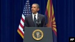 Ο Πρόεδρος Ομπάμα τιμά τα θύματα της επίθεσης στην Αριζόνα