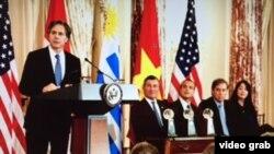 Wakil Menlu Anthony Blinken dalam upacara pembukaan Corporate Excellence Awards 2016 di Deplu AS, Washington, 1 Mar 2016