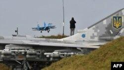 Самолет Су-27 ВВС Украины
