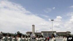 တီယံနင္မင္ အေရးအခင္းအတြက္ ေလ်ာ္ေၾကးေပးဖုိ႔ တ႐ုတ္စဥ္းစား