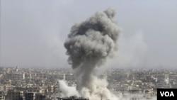 ایالات متحده: نیروهای هوایی روسیه در طول یک ماه گذشته ٨٥ تا ٩٠ درصد مخالفین میانه رو حکومت بشالااسد را هدف قرار داده است