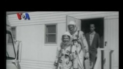 Neil Armstrong, Avril Lavigne, dan Perayaan HUT RI di Pasadena - VOA Pop News
