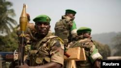 Des soldats de la MISCA dans Bangui, le 13 janvier 2014.