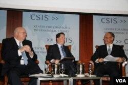 戰略與國際研究中心討論美台經濟關係 (美國之音鍾辰芳拍攝)
