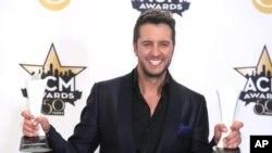 La búsqueda en internet del cantante country Luke Bryan puede llevar a los usuarios a sitios web que contienen virus o sitios web maliciosos.
