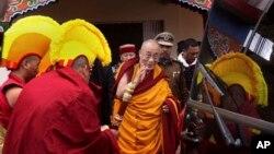 Trung Quốc xem Đức Đạt Lai Lạt Ma là một phần tử ly khai dù Ngài khẳng định chỉ mưu tìm một nền tự trị đúng nghĩa cho Tây Tạng.