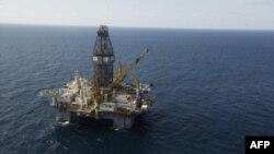 Буровая нефтяная установка