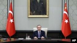 土耳其总统埃尔多安在一次内阁会议上(资料图)