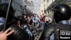 Протестная акция в Москве в поддержку кандидатов в Мосгордуму