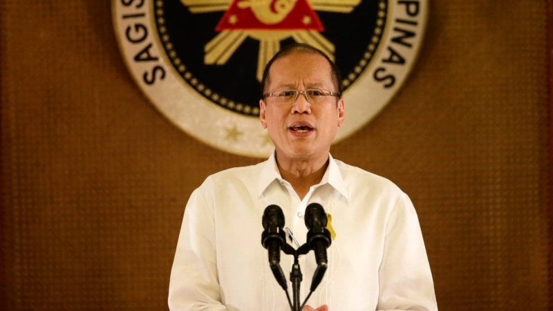 Aquino: Philippines to Fly Usual Routes over Disputed Reefs
