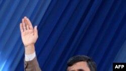İran prezidenti Birləşmiş Ştatları Liviyaya hərbi qüvvə yeritməməyə çağırıb