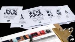 Pese a la creación de 156.000 puestos laborales en EE.UU. en septiembre, la tasa de desempleo aumento al 5%.