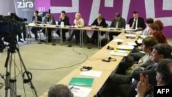 """Skup """"Evropeizacija: srpsko-albanski gradjanski dijalog"""" koji organizuje Helsinški odbor za ljudska prava u Srbiji uz podršku Instituta za otvoreno društvo Kosova, održan je danas u Beogradu"""