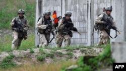 지난 2017년 9월 주한미군 장병들이 포천 캠프 로드리게스 사격장에서 진행된 미한연합사 훈련에 참가했다.