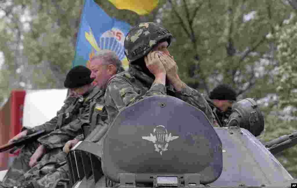 Ukrayna yarı-hərbi qüvvələri Slavyansk yaxınlığında - 2 iyun, 2014