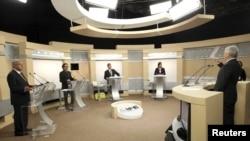 Segundo debate presidencial en Guadalajara, México.De izquierda a derecha, López Obrador, Gabriel Quadri, Enrique Peñá Nieto y Josefina Vásquez Mota.