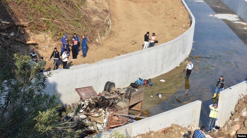 Aksidenti në Turqi u merr jetën 19 emigrantëve