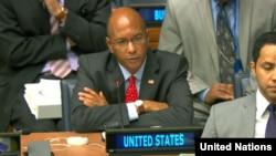 미 국무부의 로버트 우드 군축담당 대사가 6일 유엔 회의에서 북한의 주장을 반박하고 있다.