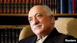 Amerikada yashayotgan diniy peshvo Fathulla Gulen, Turkiya rasmiylari nazarida, Erdog'an ma'muriyatini hukumatdan ag'darmoqchi.
