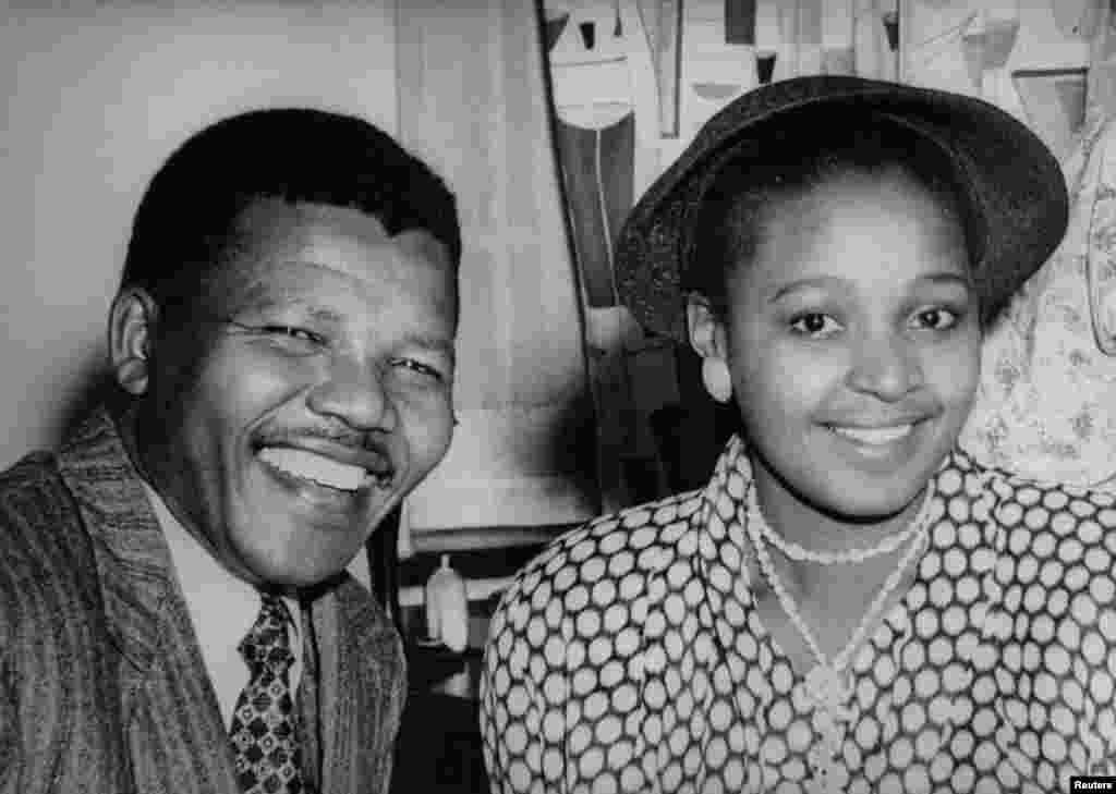 Nelson e Winnie Mandela, nos tempos da sua juventude.