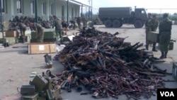 რუსი ოკუპანტები სენაკის სამხედრო ბაზას ძარცვავენ, 2008 წლის აგვისტო