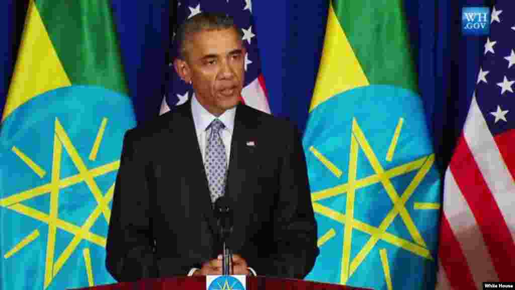 Le président Braack Obama parle au cours de la conférence de presse conjointe avec le Premier ministre éthiopien Hailemariam Desalegn, lundi 27 juillet 2015.