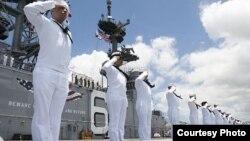 參加2016RIMPAC的美國海軍官兵2016年6月30日抵達珍珠港 (美國海軍官網)