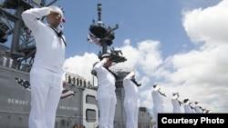 Para anggota Angkatan Laut AS di di Pearl Harbor, Hawaii. (Foto: Dok)