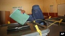اختلاف رئیس جمهور و رئیس اجرائیه روی آوردن اصلاحات سبب تأخیر انتخابات شده است