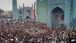 این جشن عنعنوی و تاریخی افغانستان در مناطق متخلف به شیوه و گونه ای مختلف تجلیل میگردد